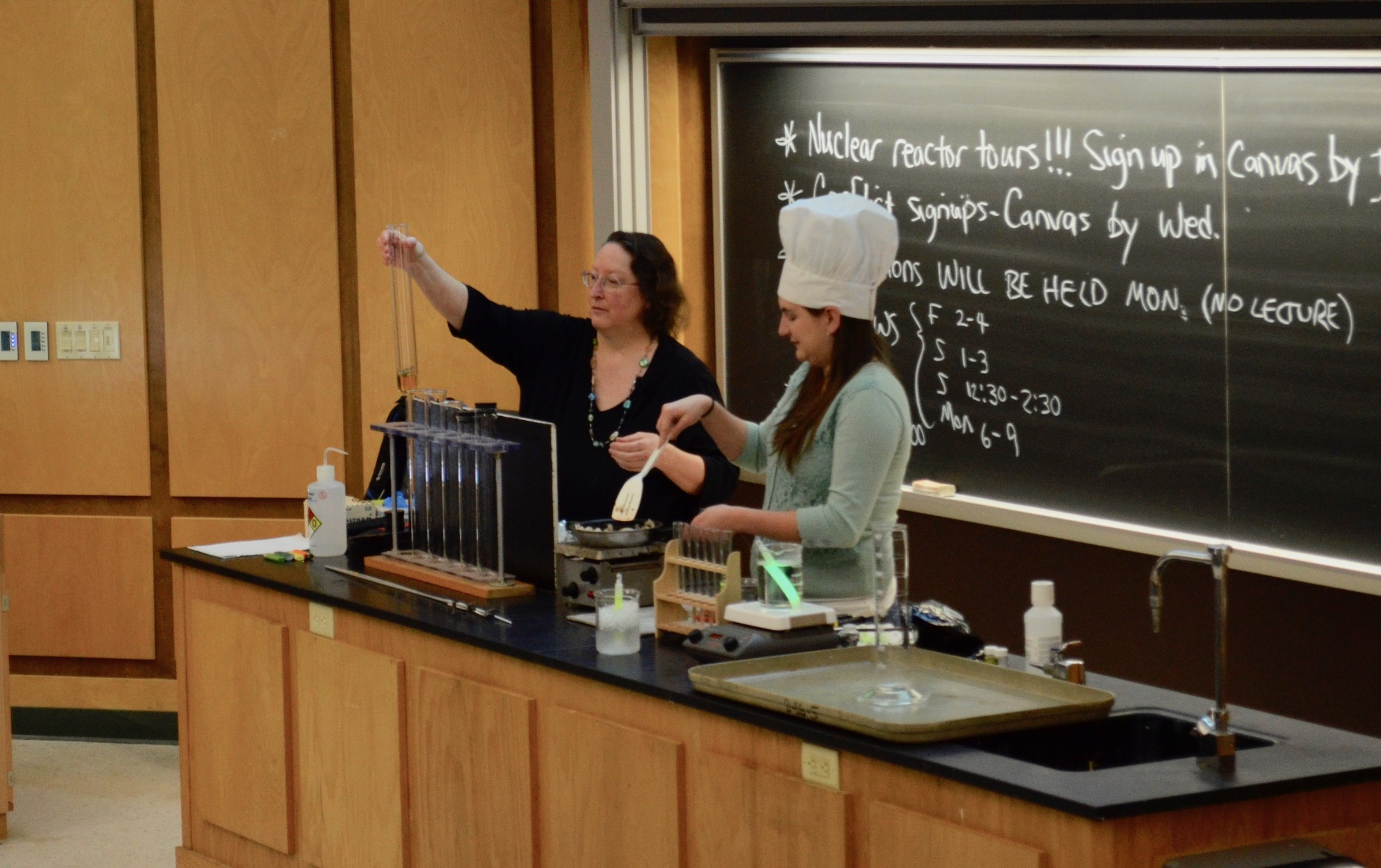Chem 112: Offering a Personalized Learning Experience